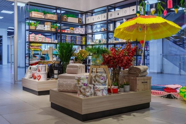 Мебель для торговых центров на заказ в Бишкеке